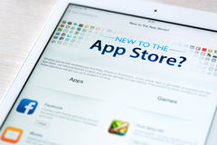 Caratteristiche di App Store sull'aria del iPad di Apple Immagine Stock Libera da Diritti