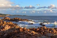 Caratteristiche e rocce geologiche alle rocce del canale fotografie stock