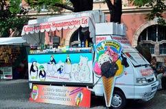 Caratterizza il camion del gelato Fotografie Stock Libere da Diritti