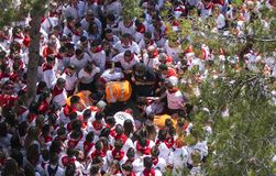 Caravaca de la Cruz, Espa?a, el 2 de mayo de 2019: Accidente en la carrera de caballos en Caballos Del Vino, emergencias que evac fotos de archivo