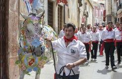 Caravaca de la Cruz, Espa?a, el 2 de mayo de 2019: Caballo que es desfilado en Caballos Del Vino imágenes de archivo libres de regalías