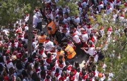 Caravaca De Los angeles Cruz, Hiszpania, Maj 2, 2019: Wypadek przy wy?cigi konny przy Caballos Del Vino, emergencies ewakuuje sam obrazy royalty free