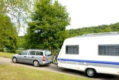 Caravan ad un campeggio Immagine Stock