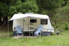 Caravan al campeggio Fotografia Stock Libera da Diritti