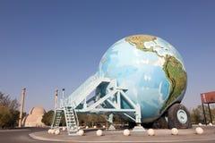 Caravan del globo al museo automatico, Abu Dhabi Immagini Stock