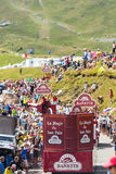 Caravan di Banette in alpi - Tour de France 2015 Immagine Stock
