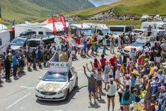 Caravan di RAGT Semences in alpi - Tour de France 2015 Fotografie Stock Libere da Diritti