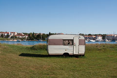 Caravan a distanza immagini stock