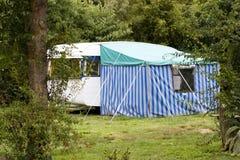 Caravan met tent royalty-vrije stock foto