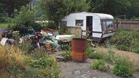 Caravana abandonada vieja fotos de archivo