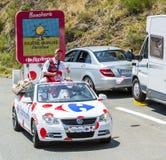 Caravana de Carrefour em montanhas de Pyrenees - Tour de France 2015 Imagens de Stock Royalty Free