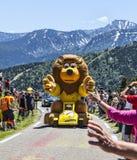 Caravana de la publicidad en los Pirineos Fotos de archivo libres de regalías