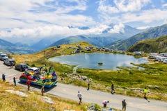 Caravana de Teisseire en las montañas - Tour de France 2015 Imágenes de archivo libres de regalías