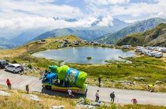 Caravana de Teisseire en las montañas - Tour de France 2015 Fotografía de archivo