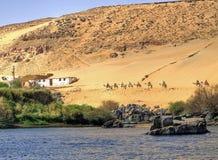 Caravana em uma vila de Nubian Imagem de Stock Royalty Free