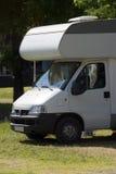 Caravana no campsite fotografia de stock