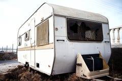 Caravana velha abandonada Imagem de Stock Royalty Free