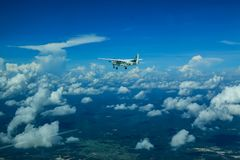Caravana y cielo de Cessna 208 Fotografía de archivo