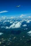 Caravana y cielo de Cessna 208 Imagen de archivo libre de regalías
