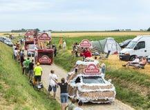 Caravane de Banette sur un Tour de France 2015 de route de pavé rond Images stock