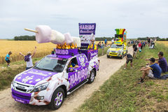 Caravane de Haribo sur un Tour de France 2015 de route de pavé rond Photographie stock