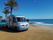 Caravane résidentielle dans le bleu Image stock