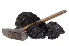 Carbón aislado del martillo, pepitas del carbón fotografía de archivo