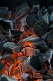 carbón Color rojo de los carbones que arde de Fotos de archivo libres de regalías