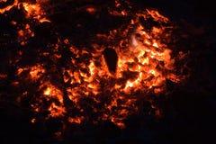 Carbón de leña ardiente Imagen de archivo libre de regalías