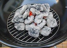 Carbón de leña caliente que brilla intensamente Fotos de archivo