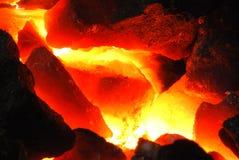 Carbón incandescente Fotos de archivo libres de regalías