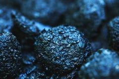 Carbón mojado que permanece después de la intervención del servicio del departamento de bomberos fotos de archivo