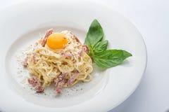 Carbonara ζυμαρικών με το αυγό Στοκ Εικόνες