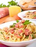 Carbonara del espagueti con los ingredientes Fotografía de archivo libre de regalías