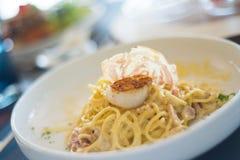 Carbonara dos espaguetes com vieiras Imagens de Stock Royalty Free