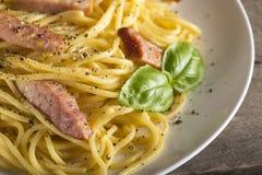 carbonara włoskiego makaronu talerza spaghetti tradycyjny biel Fotografia Stock