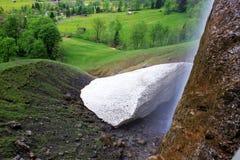 Carbonate de calcium naturellement formé en Suisse Images libres de droits