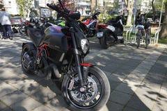 Carbone de Ducati Diavel à Istanbul Kadikoy Images libres de droits