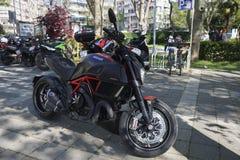 Carbone de Ducati Diavel à Istanbul Kadikoy Photos libres de droits