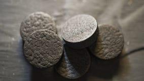 Carbonio attivato, sostanza assorbente, granelli, polvere, avvelenamento, spazio della copia fotografia stock libera da diritti