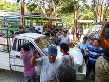 Carburant de attente de personnes népalaises Image stock