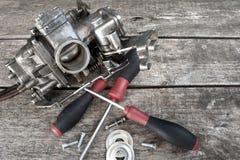 Carburator en schroevedraaiers royalty-vrije stock afbeeldingen