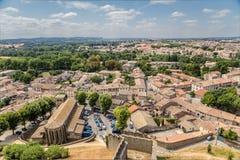 Carcassonne, Γαλλία Άποψη της χαμηλότερης πόλης από τους τοίχους φρουρίων Στοκ Φωτογραφίες