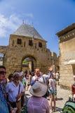 Carcassonne, Γαλλία Οι οδηγοί διευθύνουν έναν γύρο του φρουρίου του Carcassonne στοκ φωτογραφία