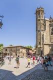 Carcassonne, França A área na frente da basílica de St Nazário e de St Celse na cidade velha imagem de stock