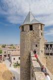 Carcassonne, France Tour de forteresse de château Comtal, 12ème siècle Image libre de droits