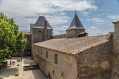 Carcassonne, Francja Podwórze grodowy Comtal w fortecy, 1130 obrazy royalty free