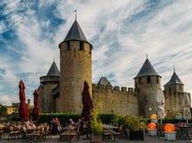 Carcassonne, una città della sommità in Francia del sud, è un sito del patrimonio mondiale dell'Unesco famoso per la sua cittadel fotografia stock libera da diritti