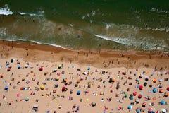 海滩carcavelos顶视图 免版税库存照片