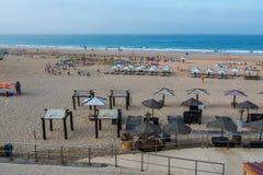Carcavelos strand i Carcavelos, Portugal Arkivbilder